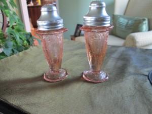 Jeannette Cherry Blossom salt & Peppr