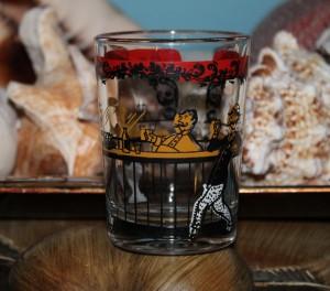 Hazel Atlas Gay Nineties whiskey (1)