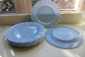 pyrex-blue-plates-1